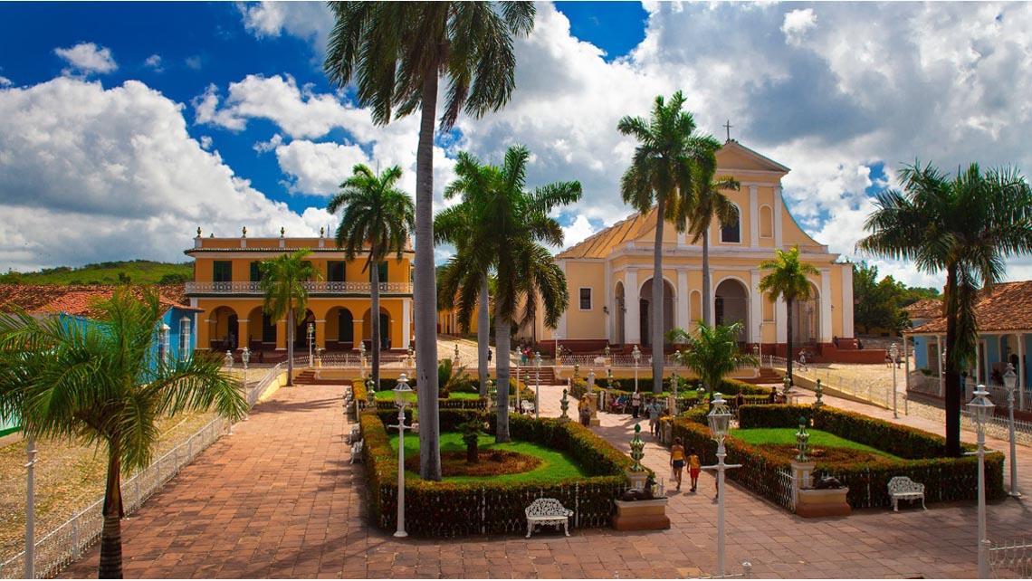 Andando el centro<br /><strong>Andando el centro - Estándar con finalización en La Habana <strong class='extra_info_articulo'>- desde 287.08 €  </strong></strong>